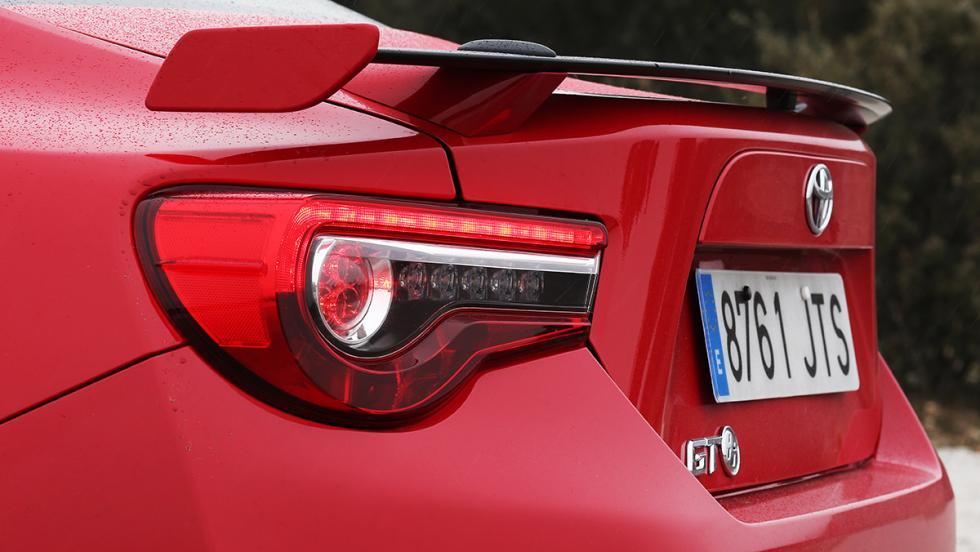 7 detalles que molan del Toyota GT86 2017 - Imagen brutal