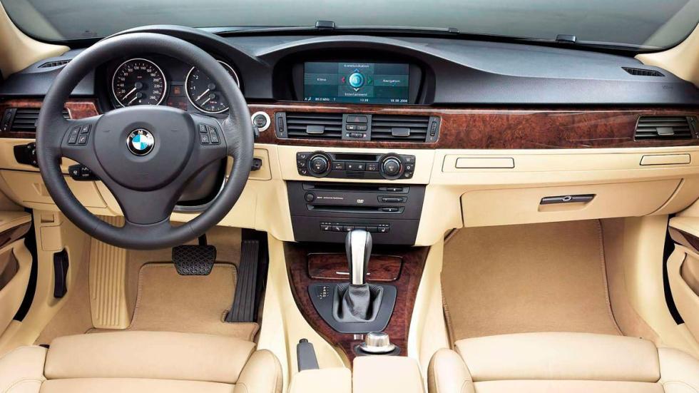 BMW 330i 2006