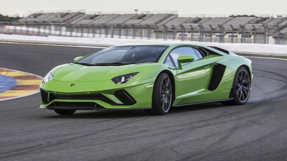 Coches haciendo drifting: Lamborghini Aventador S