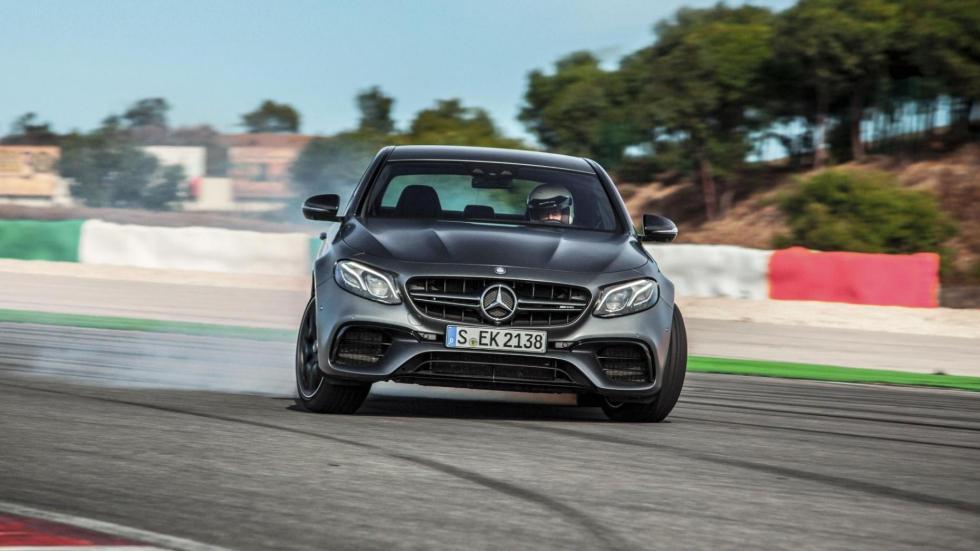 Coches haciendo drifting: Mercedes-AMG E63 S