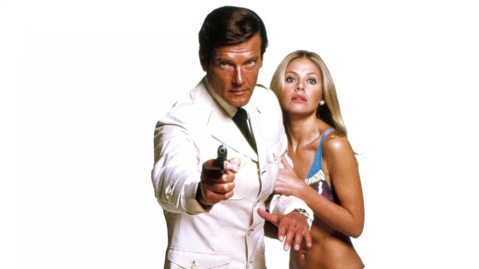 Los malos - Los peores guiones: Roger vs Brosnan