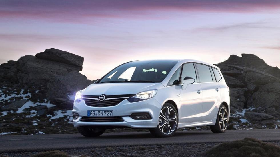 Los coches que debes evitar llevar a tu primera cita de Tinder - Opel Zafira