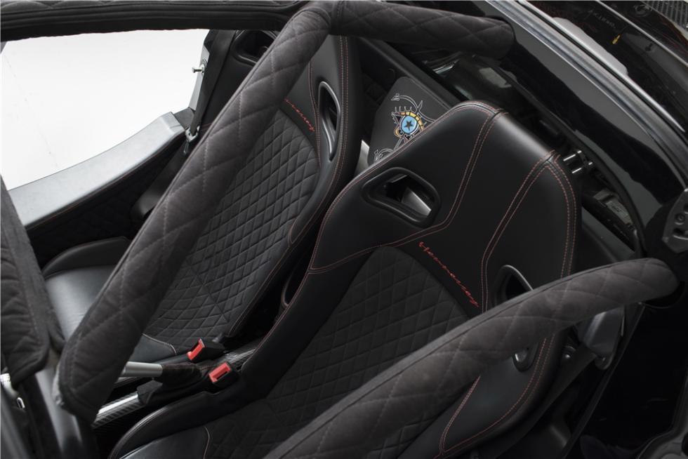 Hennessey Venom GT Spyder Steven Tyler asientos