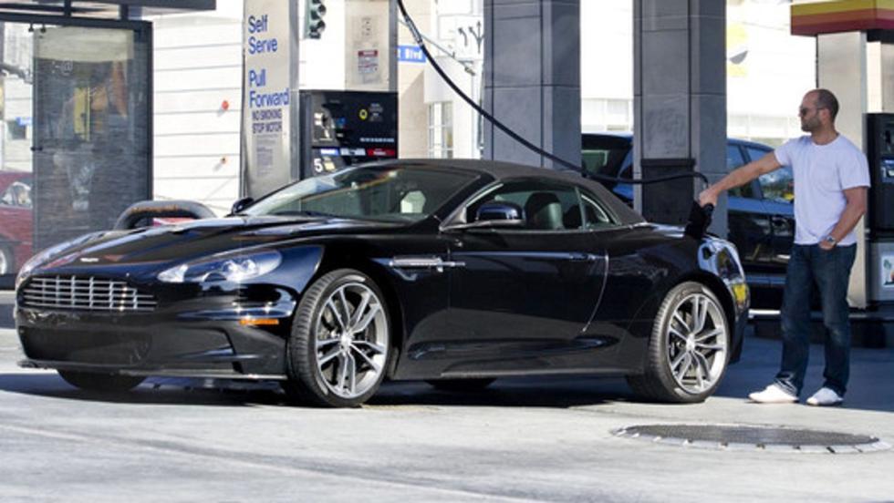 Jason y su precioso Aston Martin