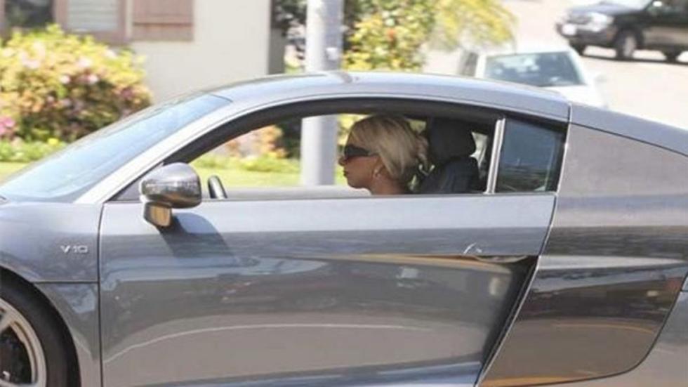 Lady Gaga en su R8