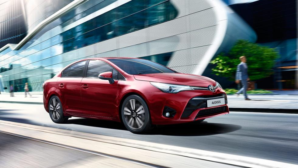 Toyota Avensis 2017 sedan familiar