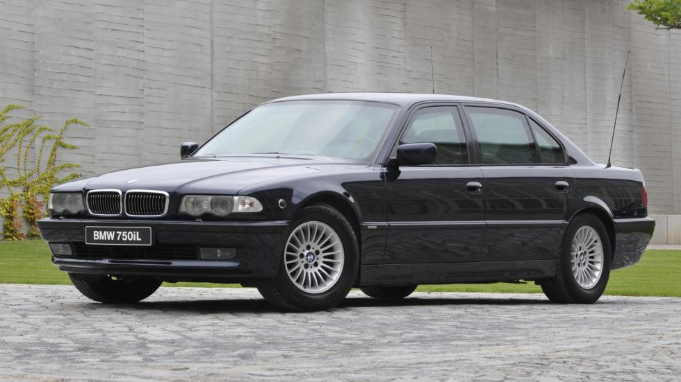 Coches comprar James Bond: BMW 750