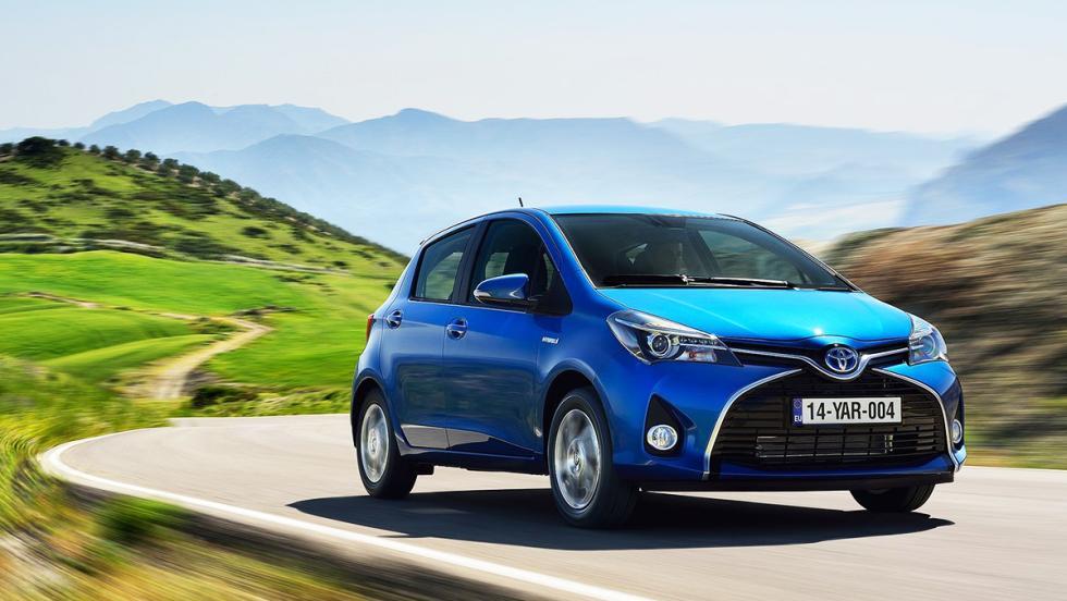 Coches nuevos entre 15.000 y 18.000 euros - Toyota Yaris Hybrid