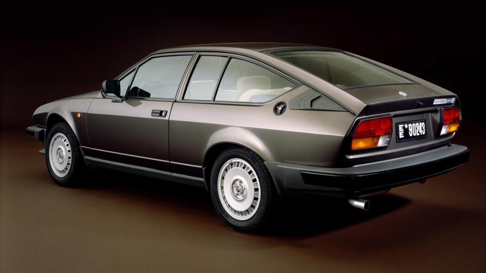 Comprar coche de James Bond: Alfa Romeo GTV6
