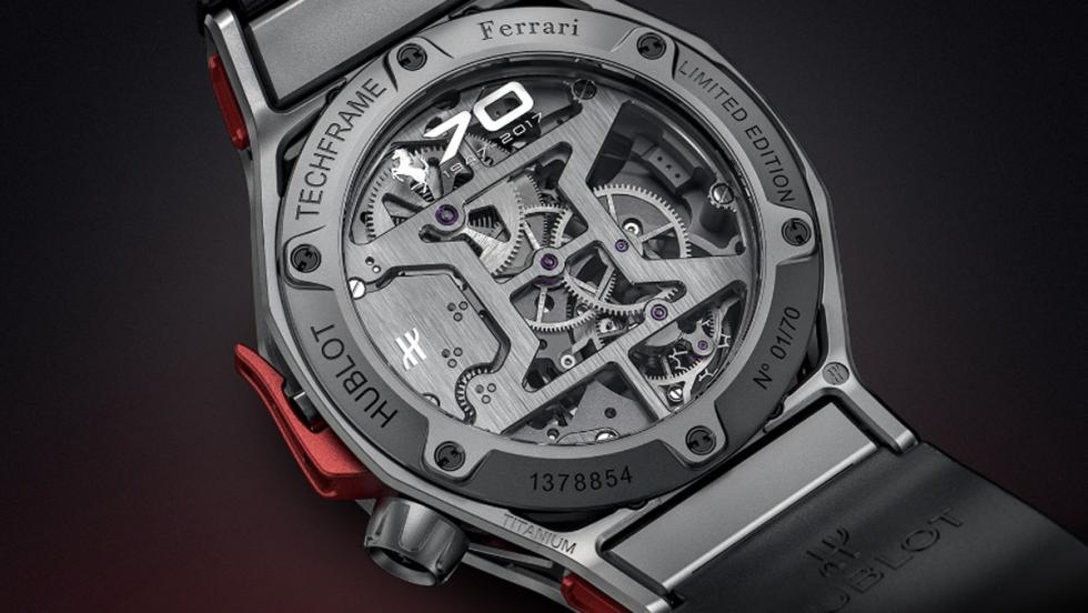 Cronógrafo Tourbillon Techframe Ferrari 70 Aniversario (VI)