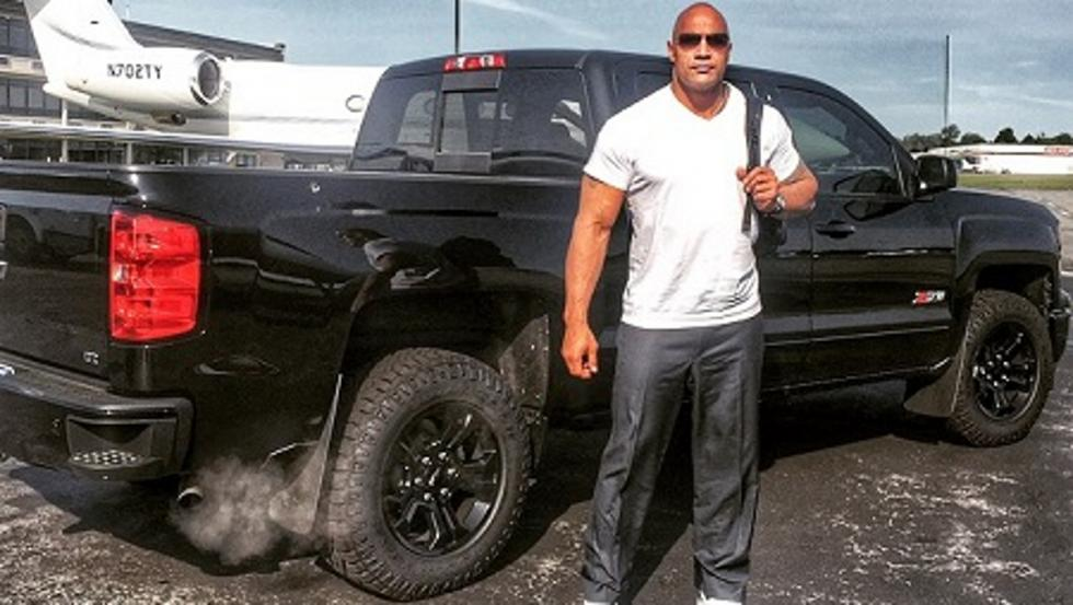 Está claro que a Dwayne Johnson le chifla su Ford F150