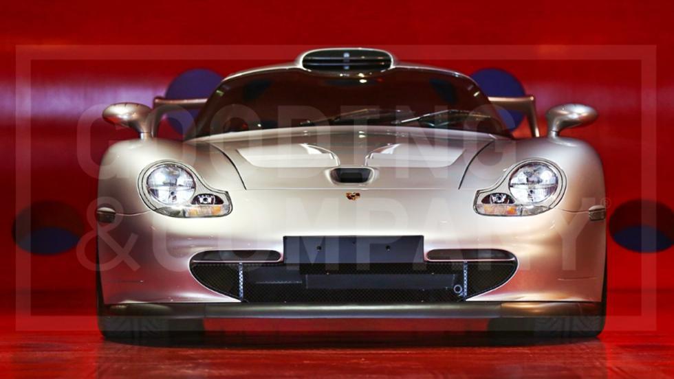 Este Porsche 911 GT1 de calle se ha vendido por más de 5 millones de euros