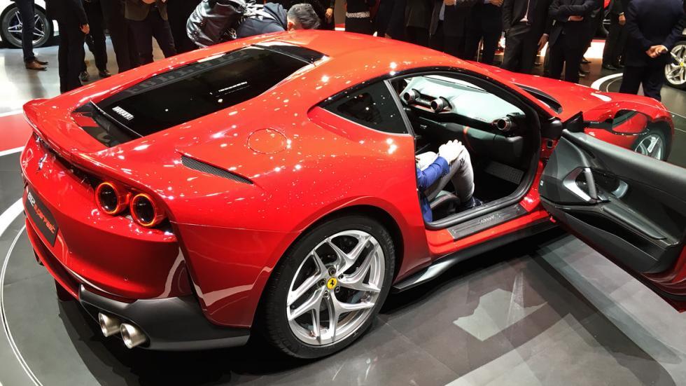 Ferrari 812 Superfast Salón de Ginebra 2017