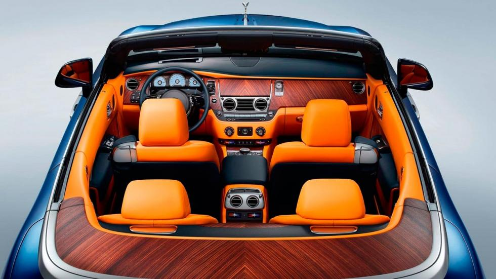 Interior Rolls-Royce Dawn atasco