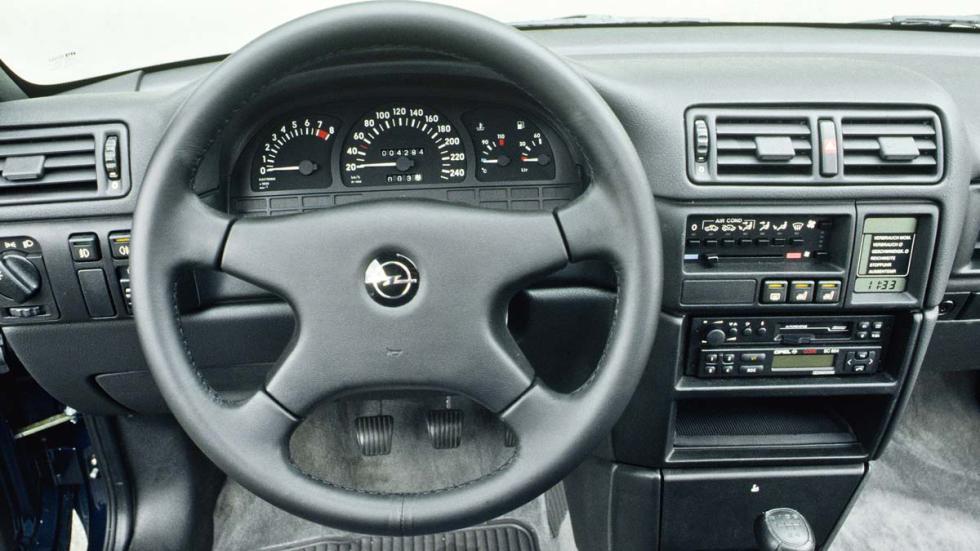 Opel Calibra deportivo clasico