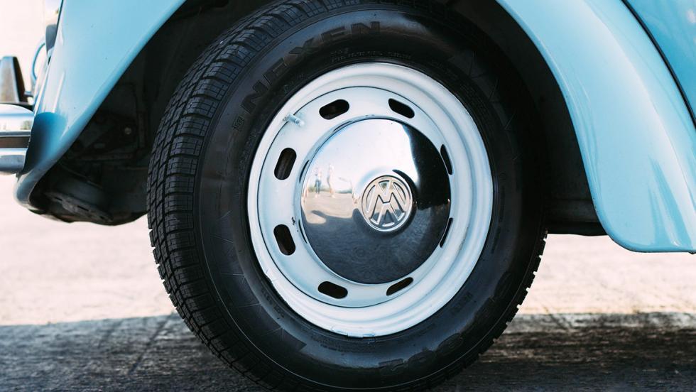 Los peligros de que tu coche duerma en la calle - Dile adiós a tus neumáticos