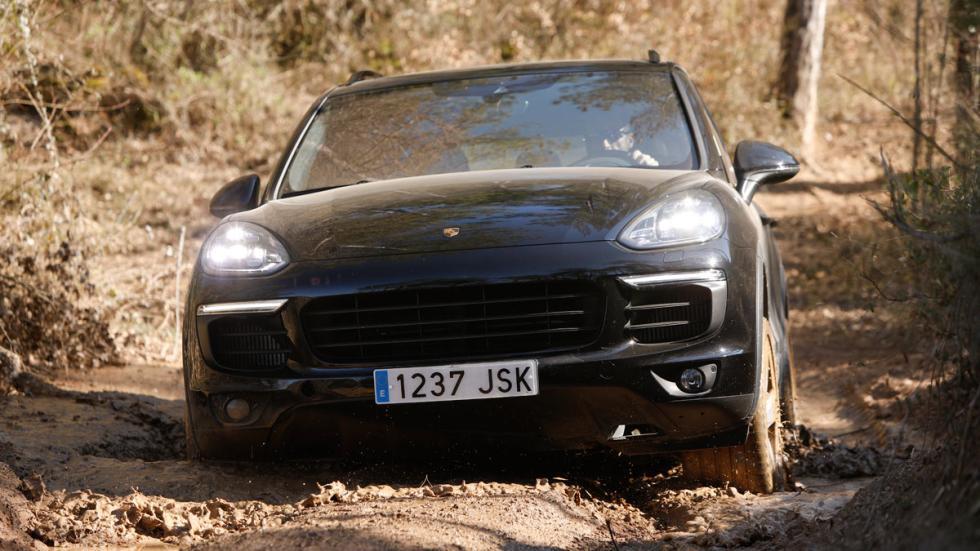 Prueba Porsche Cayenne deportivo off-road nieve montaña