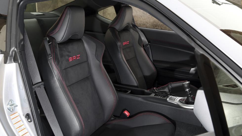 Subaru BRZ 2017 asientos deportivos