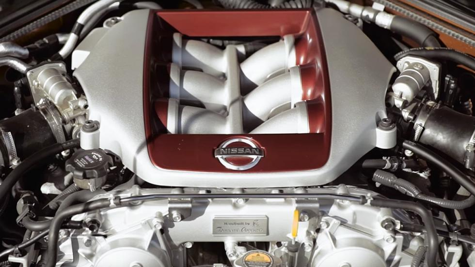 Un Audi RS6 hace trizas a un Nissan GT-R