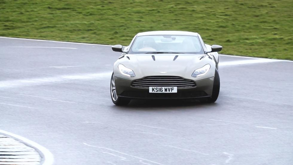 Chris Harris conduce el Aston Martin DB11 (X)