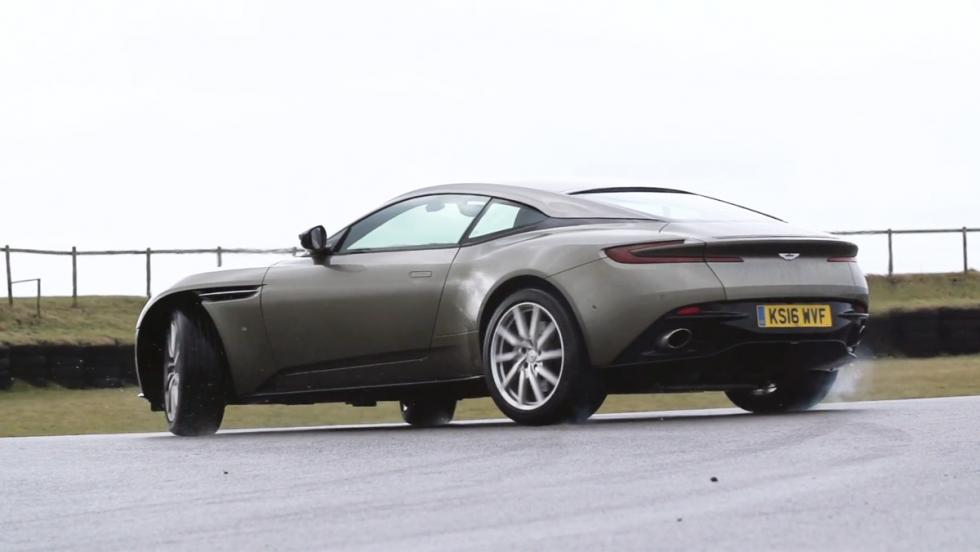Chris Harris conduce el Aston Martin DB11 (XI)