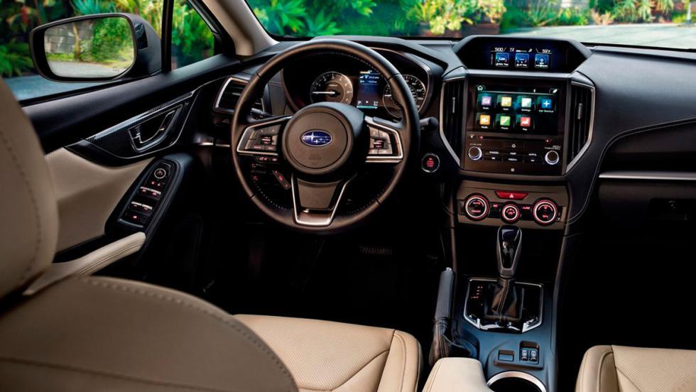 Coches con el mejor interior 2017: Subaru Impreza