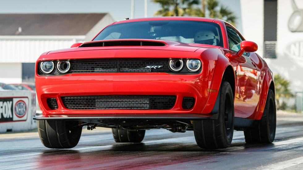 Los datos más brutales del Challenger SRT Demon - Es el primer coche de producción capaz de hacer 'caballitos'