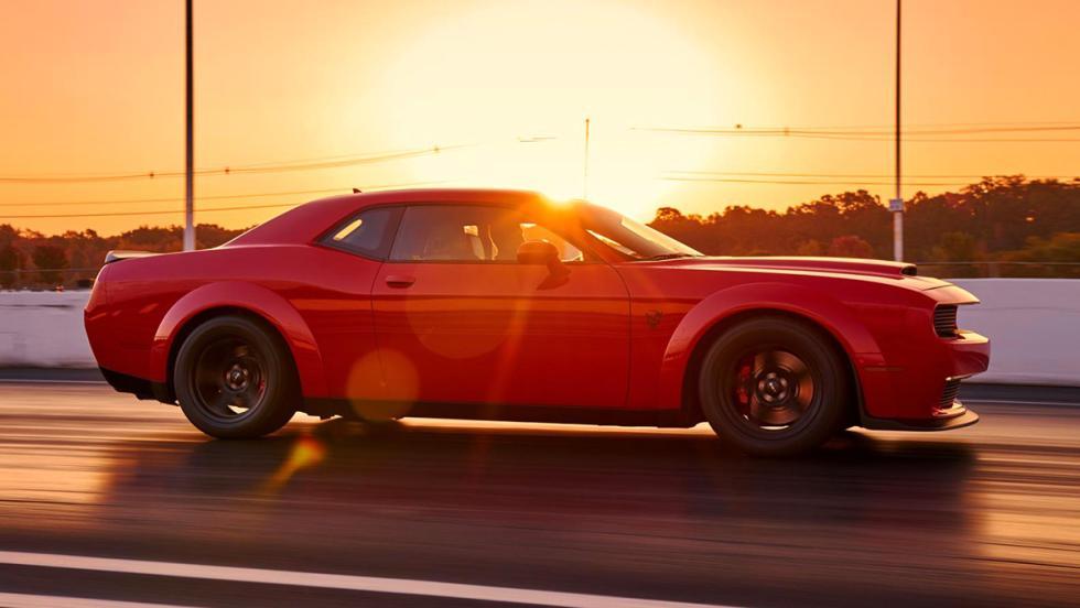 Los datos más brutales del Challenger SRT Demon - Es el primer coche de producción con suspensión tarada específicamente para carreras de tipo drag