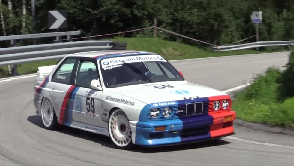 Disfruta de estos BMW M3 E30 en una subida de montaña