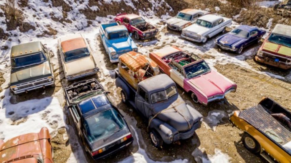Finca con coches clásicos (II)