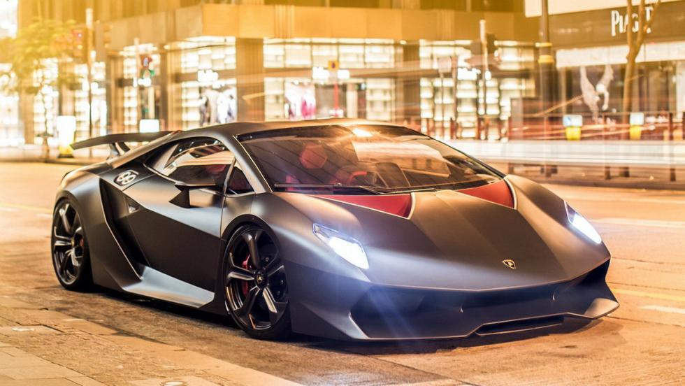 Lamborghini Sesto Elemento - Fue presentado en el Salón de París de 2010