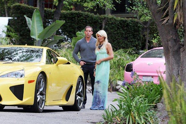 El Lexus LFA amarillo de Paris Hilton