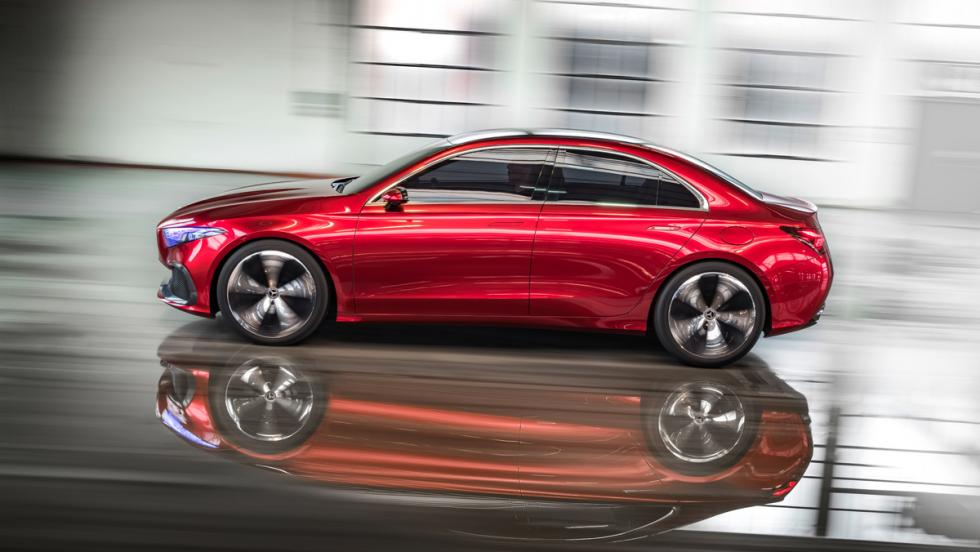 Mercedes Concept A Sedan (lateral)