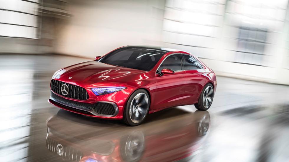 Mercedes Concept A Sedan (delantera)