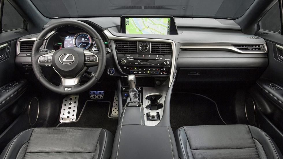 Las 5 claves del Lexus RX - Su habitáculo es de los más espaciosos del segmento