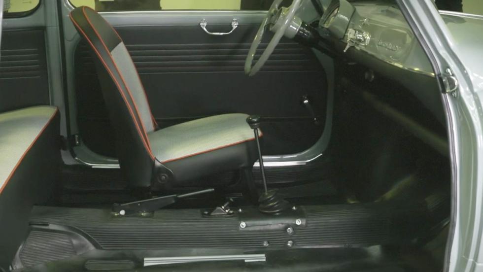 Así se deja como nuevo un Seat 600 descapotable