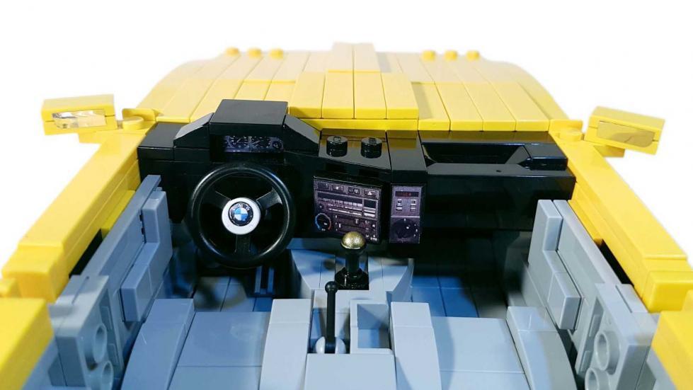 BMW M3 E30 Lego salpicadero