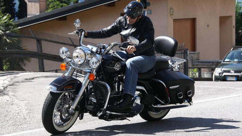 Clooney suele disfrutar de Italia con su Harley