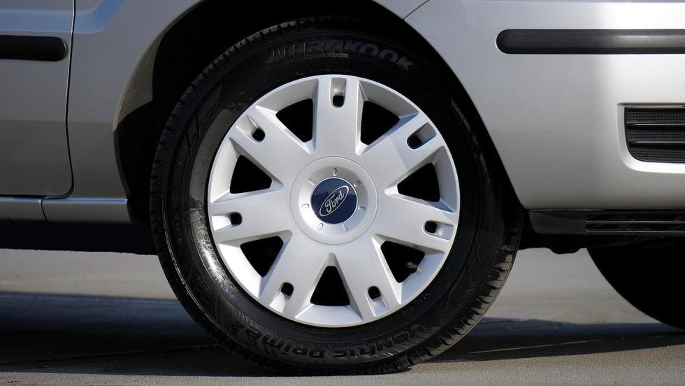 Los consejos más estúpidos para ahorrar combustible - Hincha tus neumáticos de más