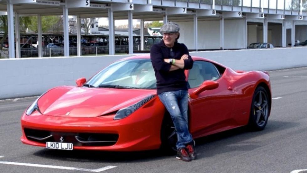 El Ferrari 458 Italia, el ojito derecho de Brian Johnson