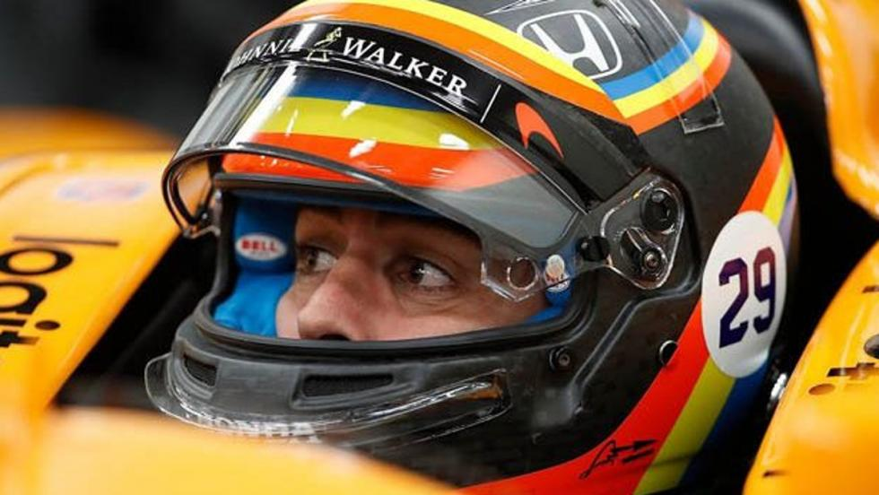Fernando Alonso en su McLaren de la Indy 500