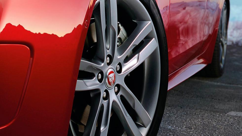 Jaguar XE (VII)