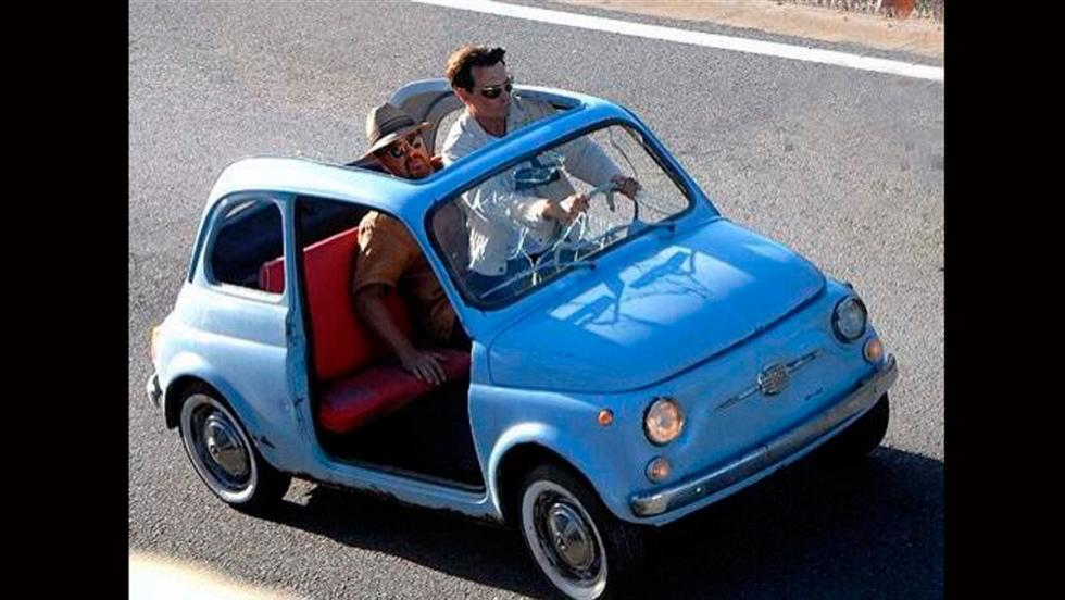 Johnny Depp en un Fiat 500 'cabrio'