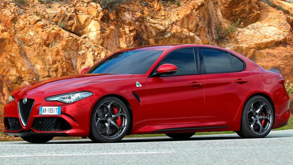 Mejores nombres de coches cool Dodge Demon Giulia Trackhawk Ghost F-Type Evoque