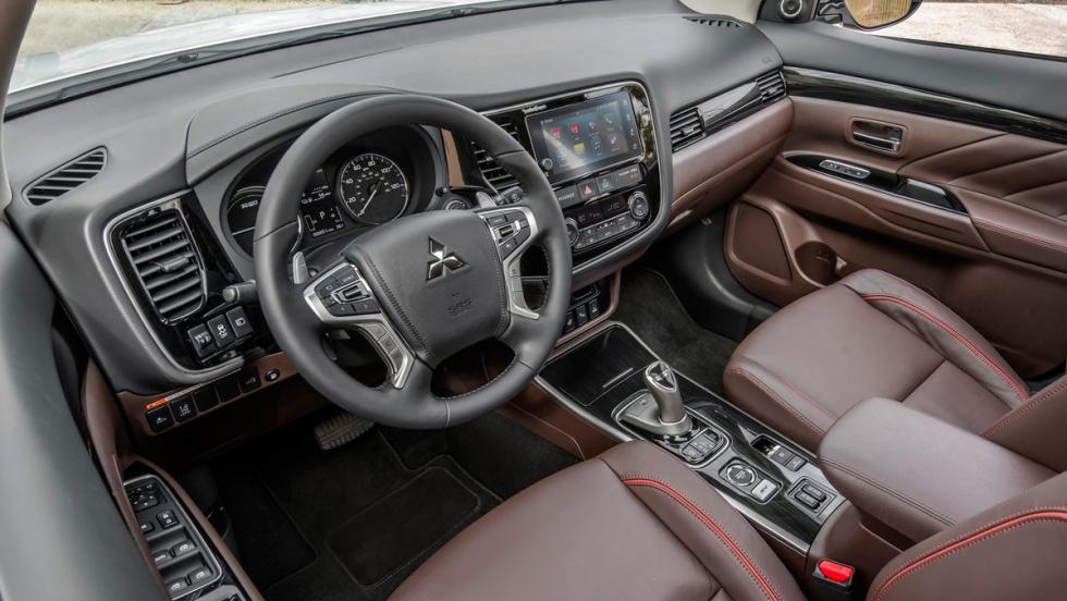 Mitsubishi Outlander PHEV 2017 (VI)