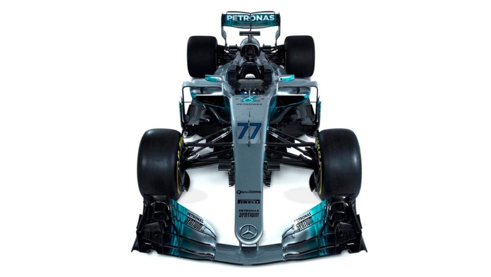 El W08 de Valtteri Bottas con los nuevos números que son más grandes que antes