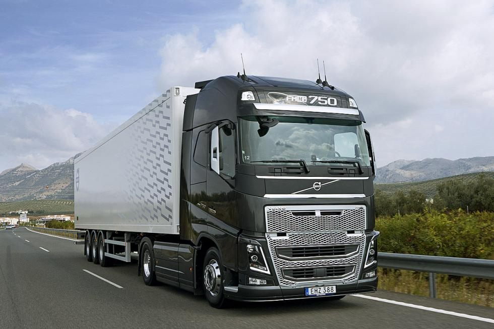 Volvo FH16. Extrae 700 CV de 6 cilindros.