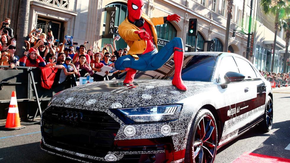 Audi A8 2018 camuflado, en el estreno de Spiderman (I)