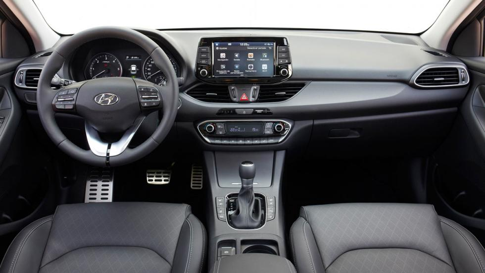 Hyundai i30 CW 2017 cockpit