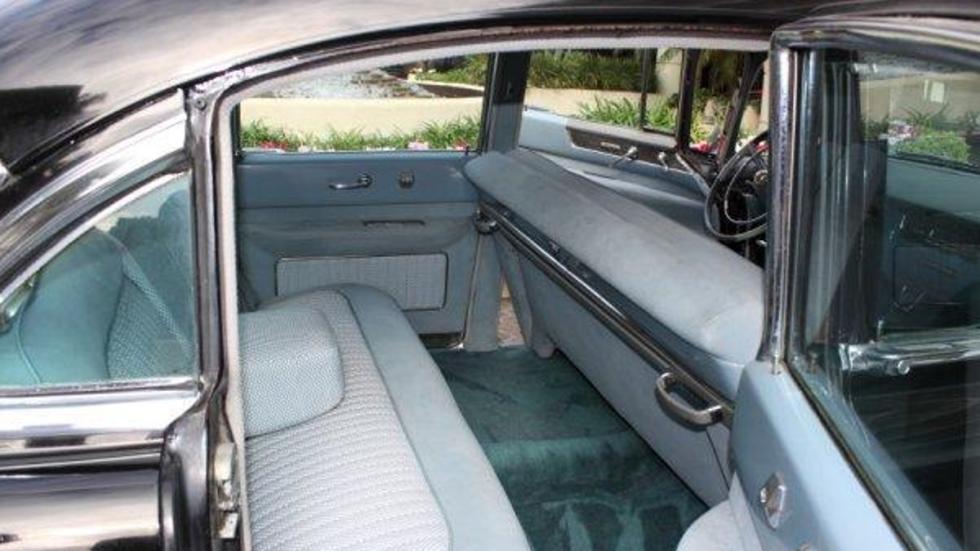 Interior del Cadillac Fletwood Series 60 del ´54